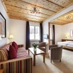 Suite für gehobene Ansprüche im Vier-Sterne-Hotel Prätschli in Arosa.